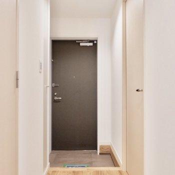 玄関も広さがありますよ。