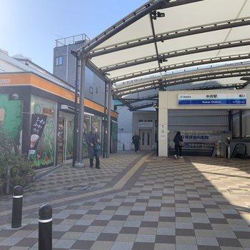 駅すぐ横にはコンビニもありました。