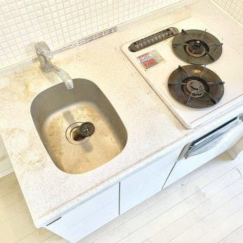 調理台を用意するのも良さそうです。※写真はクリーニング前のものです