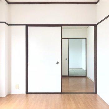 扉が付いているのでキッチンの匂いを遮断してくれます。