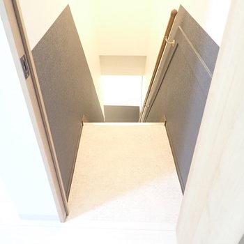 階段をのぼってお部屋に。