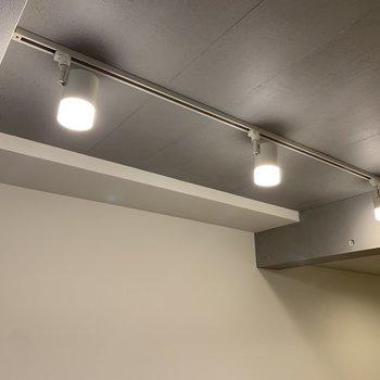 【洋室】空間とマッチした照明。※写真は前回募集時のものです