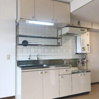 冷蔵庫はキッチンの左側に置けます◎