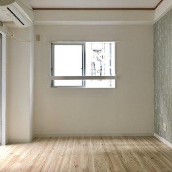 お部屋は角部屋ではないけど、2面採光です。
