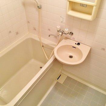 独立洗面台はありません。。。(※写真は4階の同間取り別部屋のものです)