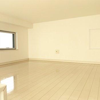 5帖、小窓付きの落ち着く空間でした、、