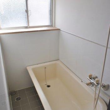 お洒落のバスタブでのんびり入浴タイム
