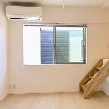 【3階】私はここをベッドルームにしたいなあ。テレビは左に置けますね