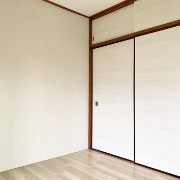 壁や床もきれいにリフォームされています。