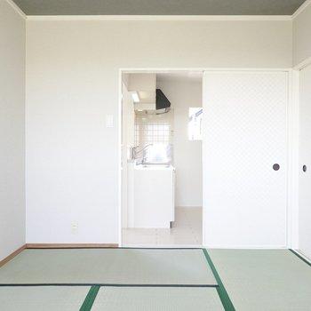 和室はキッチンとオープンにもできます。