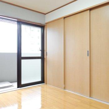リビングと仕切れば、ひとつの個室としてゆったり使えますね。