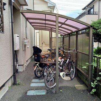 駐輪場があるので、お出かけの範囲が広がります。
