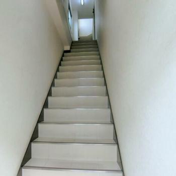 階段きれい!古さを感じない