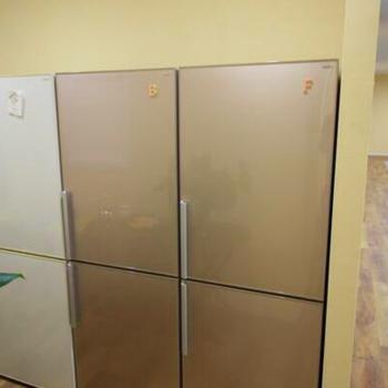 共有スペースに冷蔵庫・電子レンジ・ウォーターサーバー完備
