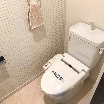 トイレはもちろんウォシュレット付きです。(※写真は5階の同間取り別部屋、モデルルームのものです)