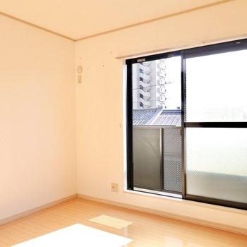 2階には洋室が2つ。こちらは南側の7.2帖。