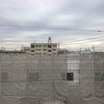 お部屋の目の前には建築中の建物がありましたが、眺望は上に抜けています。