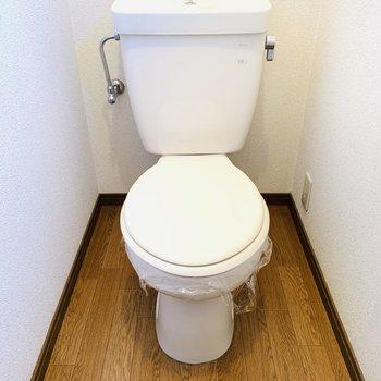 窓もついているトイレ!