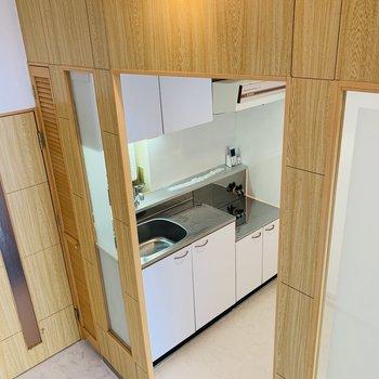 こんな感じでキッチンスペースが囲まれている♪楽しい!