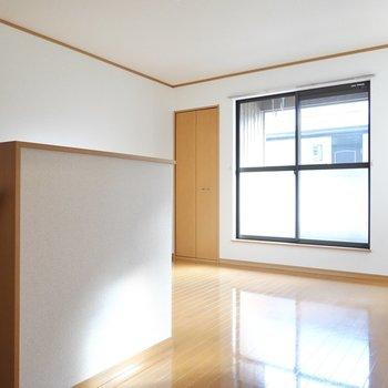 2階には洋室が2室。まずは南側の7.8帖。