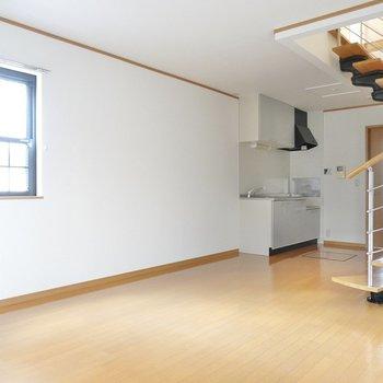 螺旋階段とその周りの余白を存分に楽しむ空間にしたい!
