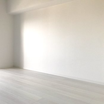 壁寄せで家具が置きやすいね!(※写真は同間取り13階のものです)
