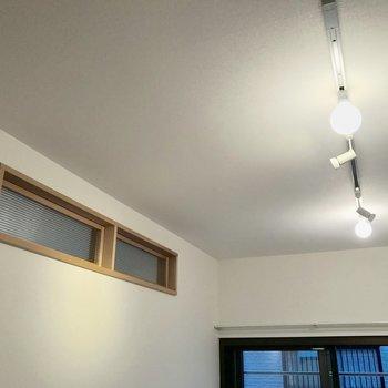 【LDK】お隣の洋室の明かりも入ってきます