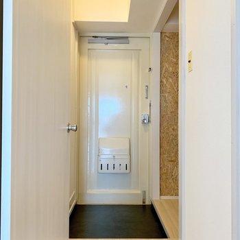 ゆったりめの玄関スペース。