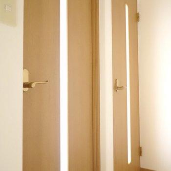 2階の洋室は2室あります! まずは奥のお部屋から。