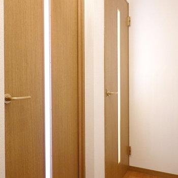 上には2部屋あります。まずは奥の部屋から。(※写真は1階の同間取り別部屋のものです)