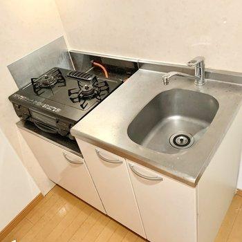 調理スペースは大きめのまな板を敷くなどして確保!