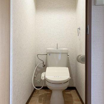 温水洗浄つきのトイレです。
