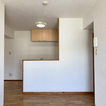 【LDK】L字型対面キッチンです!