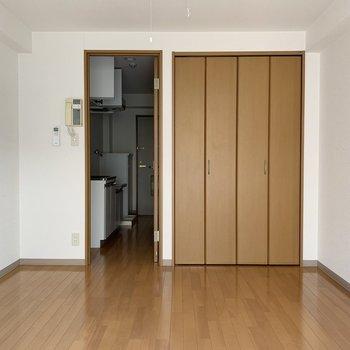 清潔な印象です。※写真は2階の同間取り別部屋のものです