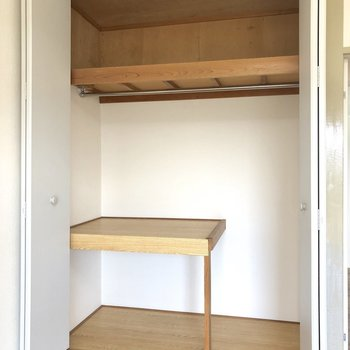【洋室1】大きめなクローゼットです。※写真は2階の同間取り別部屋のものです
