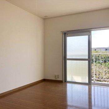 【洋室2】お隣の洋室。※写真は2階の同間取り別部屋のものです