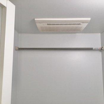 浴室乾燥機も付いていますよ※写真は4階の同間取り別部屋のものです