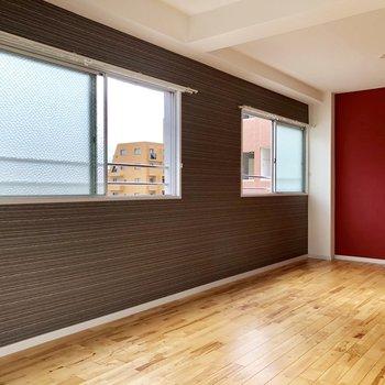 壁に合わせた色の家具をチョイスしましょう。