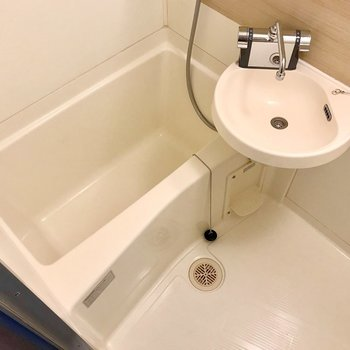 新しく付いたサーモ水栓で温度調節も簡単!