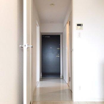 玄関側にももう1部屋。