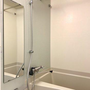 浴室乾燥機付きです