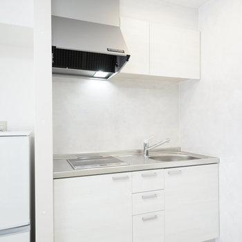 キッチンはリノベ時に新品になってます!