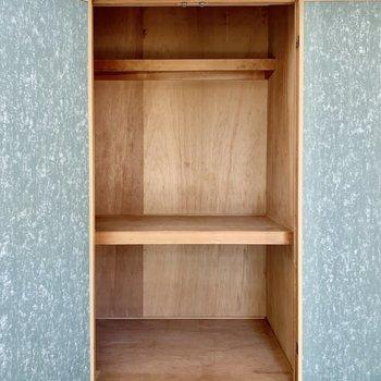 【和室】押入れは大容量。お布団もしっかり収納できそうです。