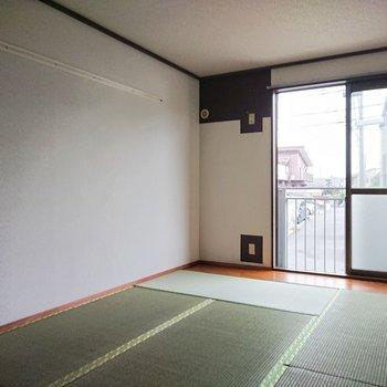 【東側和室】畳のにおい、いい匂い。