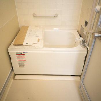 お風呂は浴槽が新しくなってます
