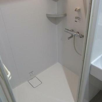 シャワールームもあるんです!