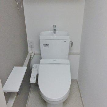 トイレのアクセントクロスがgood!.