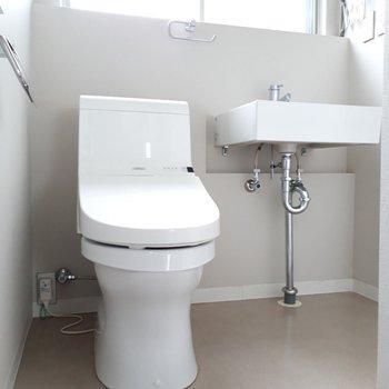 トイレは脱衣所の中にあります。