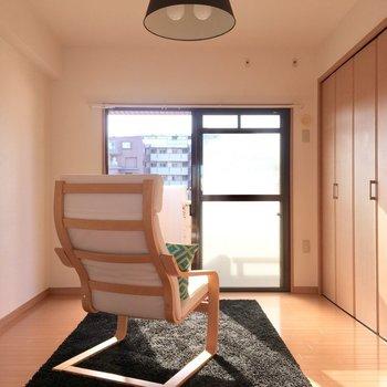 陽の光たっぷりまぶしい(※写真は5階の同間取り別部屋、モデルルームのものです)