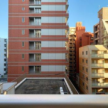 左をむくとまたマンション。いい眺め!とまではいきませんが、圧迫感は感じませんでしたよ。
